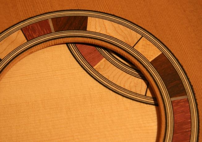 aaaros-Guitar-Luthier-LuthierDB-Image-2
