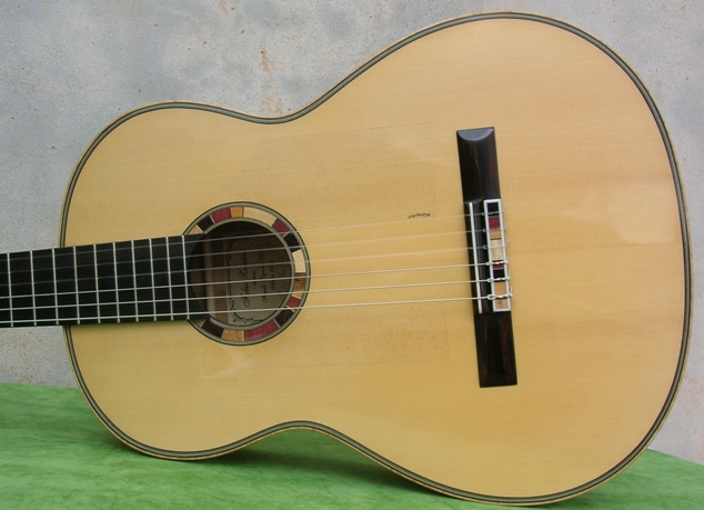 ag10-Guitar-Luthier-LuthierDB-Image-15