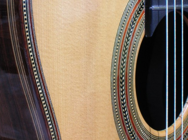 azannabi-Guitar-Luthier-LuthierDB-Image-3